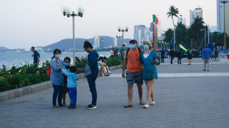 """TP Nha Trang """"đeo khẩu trang"""" trước dịch virus corona"""