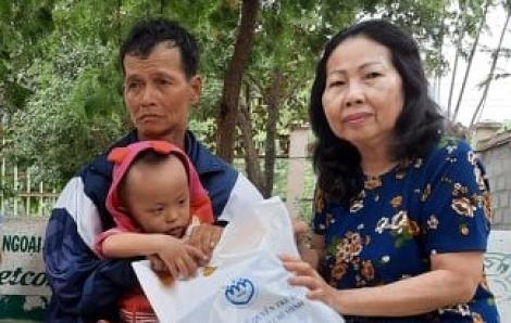 Vụ bé trai bị mẹ dùng dây siết cổ, đánh đập dã man ở Bình Dương: Đề nghị khởi tố người quay video