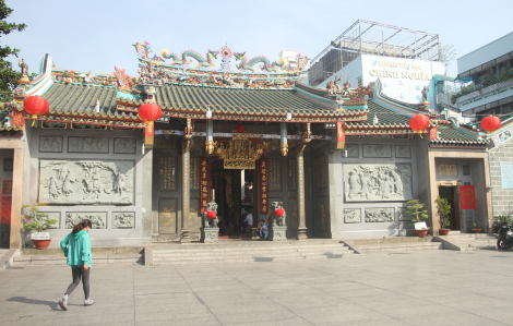 Khách đến hành hương, chiêm bái ở hội quán, chùa người Hoa Chợ Lớn TPHCM giảm đến 50%