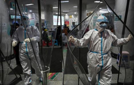 Khoảnh khắc đẹp trong 'trận chiến' chống virus corona tại Trung Quốc