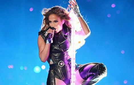 Màn trình diễn của Jennifer Lopez tiêu tốn 213 bộ trang phục và 143 đôi giày