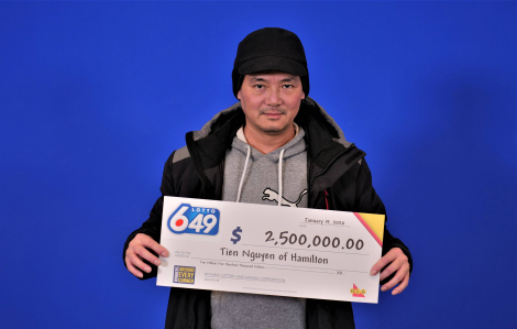 Người gốc Việt trúng số 2,5 triệu đô ở Canada