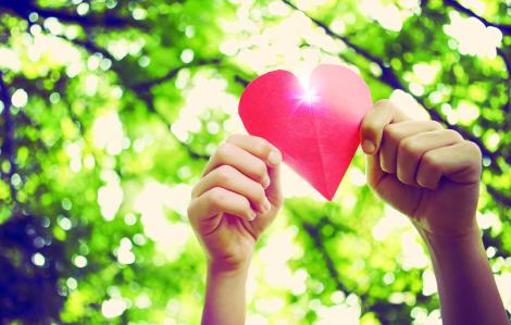 Giữa những ngày dịch bệnh, cần có trái tim dẫn đường