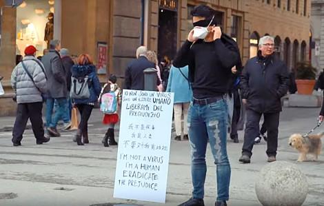 Clip: Người Ý gốc Hoa xuống đường phản đối định kiến vì virus corona
