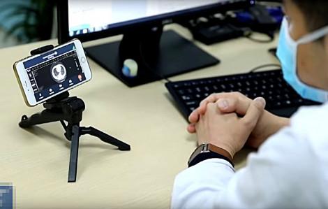 Clip: Bệnh viện Trung Quốc 'tung' ứng dụng công nghệ cao chống corona