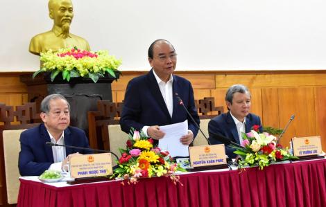 Thủ tướng thị sát phòng chống dịch nCoV tại Thừa Thiên - Huế