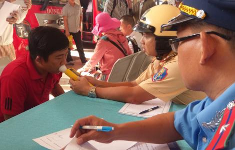 TPHCM: 45 ngày cao điểm, hơn 3.000 'ma men' bị phạt, 6.000 người bị tước giấy phép lái xe