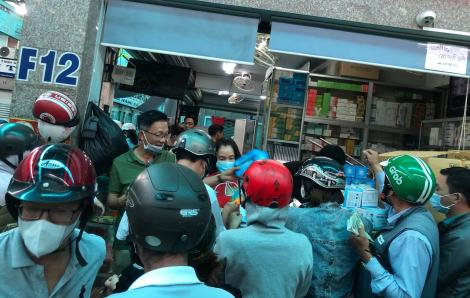 36 tấn khẩu trang được xuất ra nước ngoài qua cửa khẩu Tân Sơn Nhất