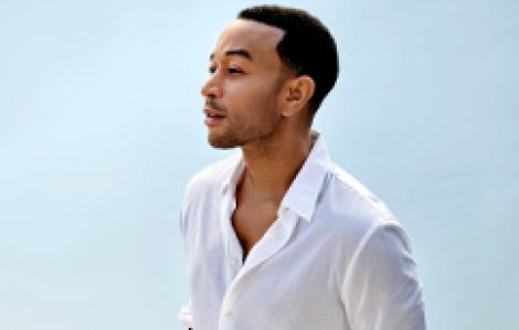 """John Legend chính là """"huyền thoại tình yêu"""" trong mùa Valentine năm nay"""