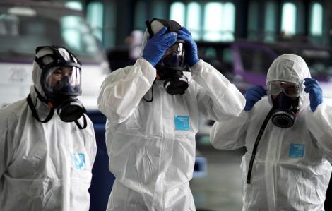 242 người chết, gần 15.000 người nhiễm virus corona chủng mới trong một ngày