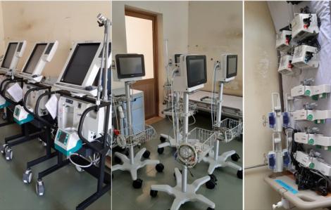 Các bệnh viện Sài Gòn nườm nượp chuyển thiết bị y tế đến bệnh viện dã chiến