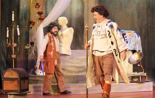 Sân khấu Hoàng Thái Thanh: Một thập kỷ yêu thương