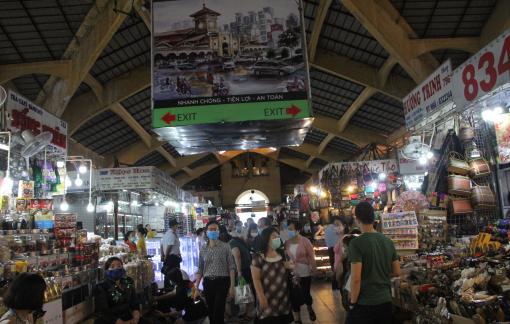 Clip: Các chợ ở Sài Gòn căng mình chống dịch