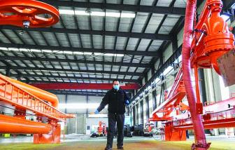 Trung Quốc chật vật và lúng túng khi nối lại sản xuất