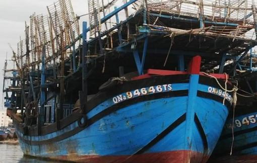 Cháy tàu câu mực ở Trường Sa, 33 ngư dân thoát nạn