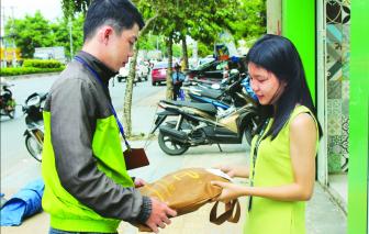 Ăn theo dịch COVID-19, dịch vụ 'đi chợ thuê' đắt hàng