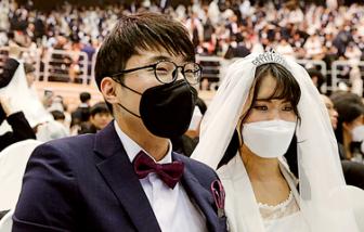 Hàn Quốc có số ca nhiễm COVID-19 tăng gấp đôi chỉ trong một ngày