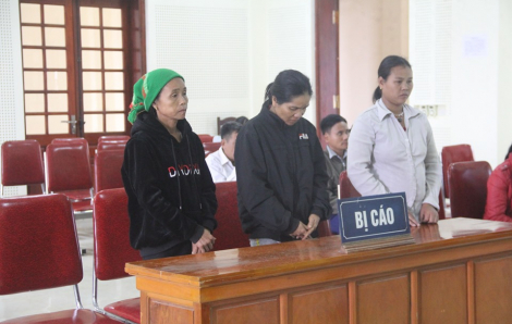 Ba người phụ nữ đưa bà bầu sang Trung Quốc sinh con để bán... lãnh án