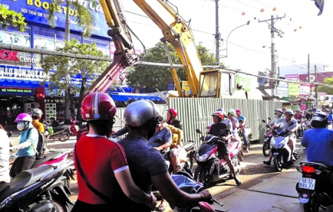 UBND TPHCM yêu cầu chấm dứt tình trạng đào lên, lấp xuống trên các tuyến đường