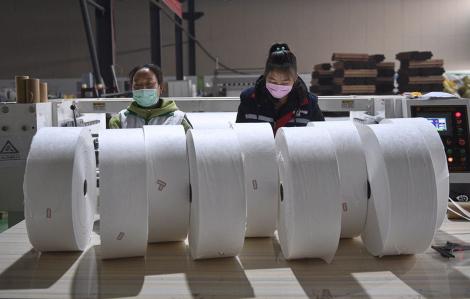 COVID-19, phép thử khó cho nền kinh tế đứng thứ hai thế giới