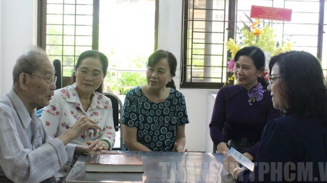 Lãnh đạo TPHCM thăm các thầy thuốc tiêu biểu nhân ngày Thầy thuốc Việt Nam