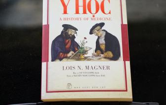 Khi bác sĩ viết sách: 1001 bài học quý cho sức khỏe