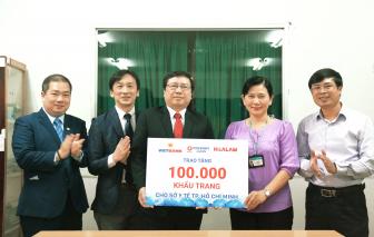Vietbank, Hoa Lâm và Kohnan đến từ Nhật Bản tài trợ 100.000 khẩu trang cho Sở Y tế TPHCM