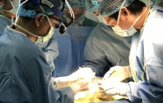 Ghép gan cho 2 bé suy gan giai đoạn cuối từ lúc mới chào đời